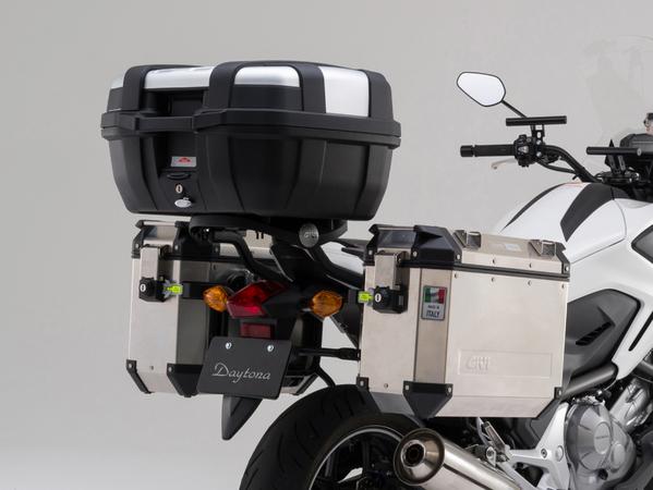 セール バイク用品 ケース(バッグ)&キャリア キャリア&ケースホルダーGIVI GIVI PL1111CAM CAMパニアホルダー NC700Xジビ 94060 取寄品