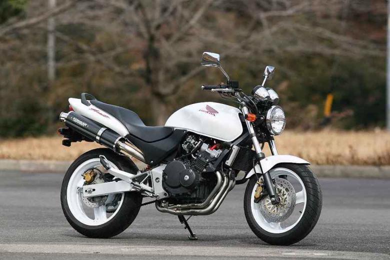 スーパーセール バイク用品 マフラー 4ストフルエキゾーストマフラーストライカー USスーパースポーツ ステン カーボン HORNET250STRIKER 2921JS 取寄品