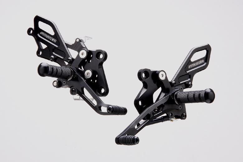スーパーセール バイク用品 ステップ ステップ&ステップボード&タンデムキットストライカー ステップキット BLK Ninja250 Ninja250RSTRIKER SS-AA294B 取寄品