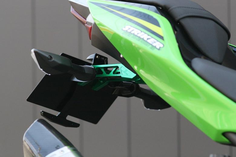スーパーセール バイク用品 外装 フェンダーストライカー アルミビレットフェンダーレスキット グリーン Ninja250 400 18STRIKER SS-FL143GR 取寄品