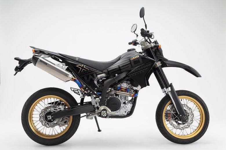 バイク用品 マフラー 4ストフルエキゾーストマフラービームス CORSA-EVOIIオールチタンフルエキ WR250X R JBK-DG15JBEAMS G246-65-010 取寄品