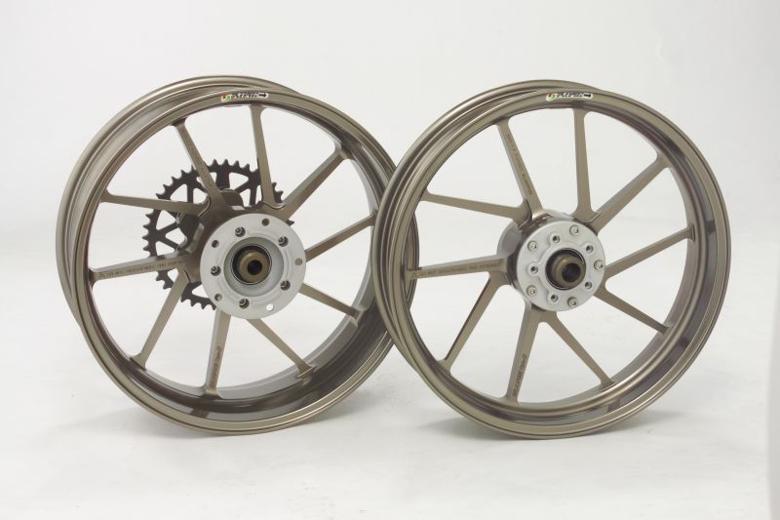 スーパーセール バイク用品GALESPEED R600-17 BRO TYPE-R Gコート ZX10R ABS 11-16ゲイルスピード 28374153Q 取寄品