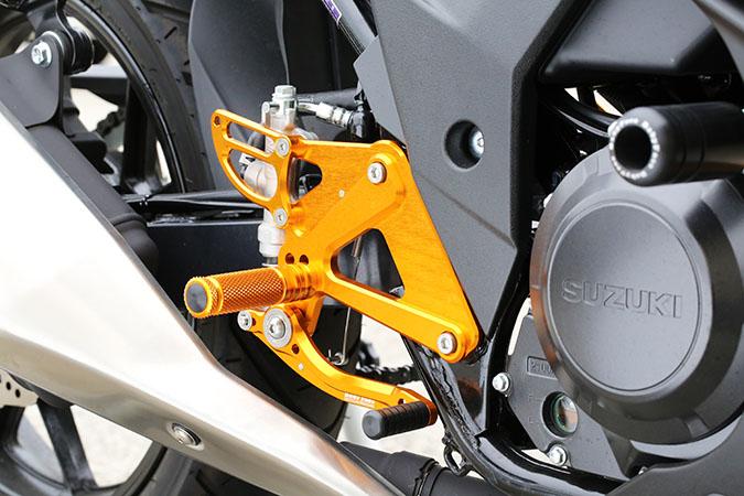 セール バイク用品 ステップ ステップ&ステップボード&タンデムキットベビーフェイス バックステップ GLD GSX250R 17-BABYFACE 002-S021GD 取寄品