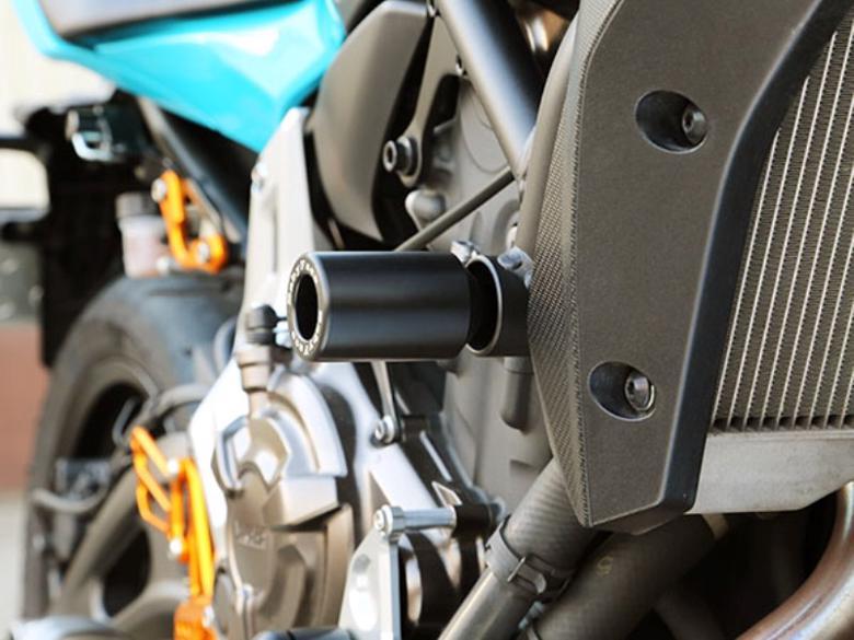 バイク用品 外装 ガード&スライダーベビーフェイス フレームスライダー MT-07 FZ-07 14-16BABYFACE 006-SY020F 取寄品
