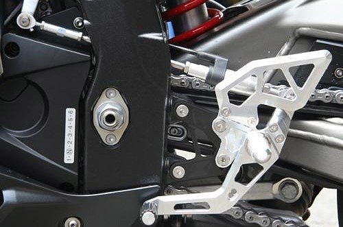 S1000RR プレミアムラインアエラ ステップ&ステップボード&タンデムキットAELLA AE-10057-WT バイク用品 ライディングステップキット ステップ 取寄品 セール ホワイト
