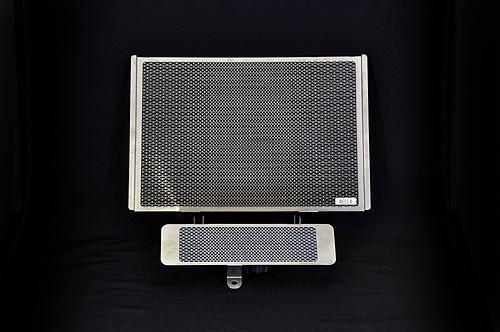 セール バイク用品 冷却系 ラジエターAELLA ラジエター&オイルクーラープロテクターセット トライアンフ スピードトリプル R 11-15アエラ AE-56120 取寄品