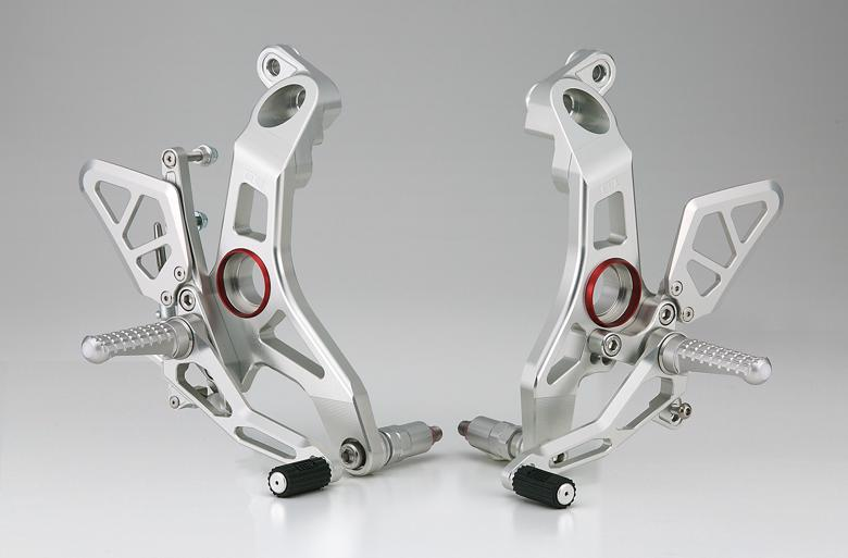 セール バイク用品 ステップ ステップ&ステップボード&タンデムキットAELLA ライディングステップキット ホワイト Supuersport939アエラ AE-10085-WT 取寄品