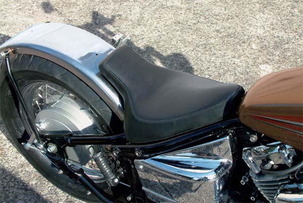 スーパーセール バイク用品 外装 シートEASYRIDERS シングルシート フラットFヨウ Drag Star400イージーライダース 1826 取寄品