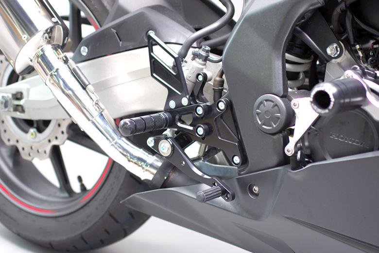 セール バイク用品 ステップ ステップ&ステップボード&タンデムキットサンセイレーシング ZNICマルチステップ ケミカルブラック CBR250RR ABS 17-SANSEIRACING 0-6-ZB1260B 取寄品
