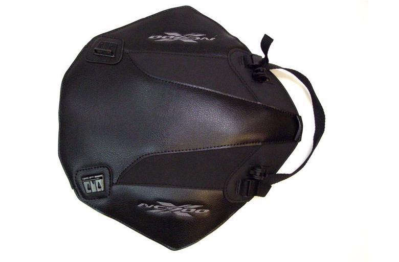 バイク用品 ケース(バッグ) キャリア 車両用ソフトバッグBAGSTER タンクカバー ブラック マットブラック NC700X (12)バグスター 1631C 取寄品
