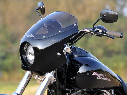 スーパーセール バイク用品 外装 カウルシックデザイン ティーラ ビキニカウル スモーク B.BLK DYNA 06-CHIC DESIGN FXD-B3-BK/2 取寄品