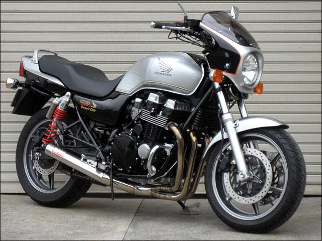スーパーセール バイク用品 外装 カウルシックデザイン ロードコメット アカ シロ 2トン クリア CB750 04-CHIC DESIGN RC04B-R/W 取寄品
