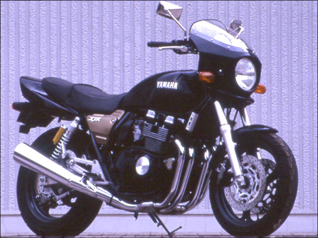 スーパーセール バイク用品 外装 カウルシックデザイン マスカロード シルバー3 スモーク XJR400RCHIC DESIGN MQ13-SV3/2 取寄品