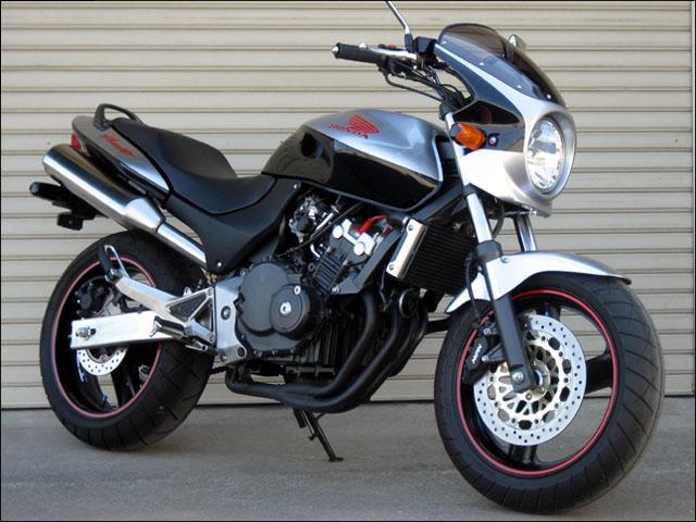 スーパーセール バイク用品 外装 カウルシックデザイン ロードコメット スパークリングSLV クリア ホーネット250CHIC DESIGN RC22-SSV 取寄品