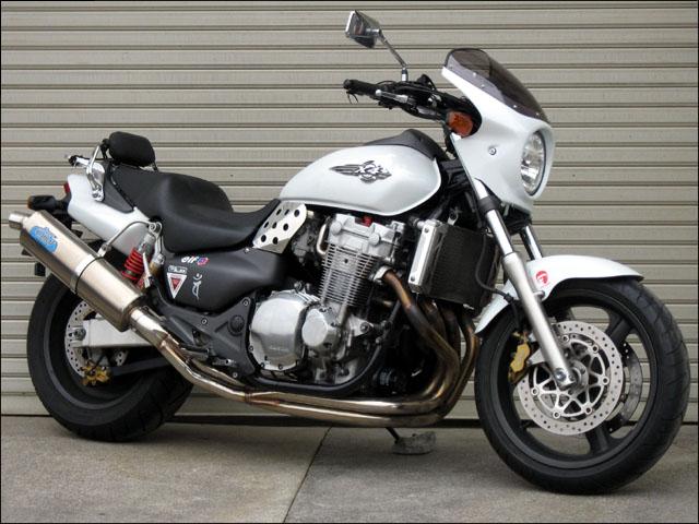 スーパーセール バイク用品 外装 カウルシックデザイン ロードコメット Cモールトンブラウン クリア X-4CHIC DESIGN RC24-CMB 取寄品