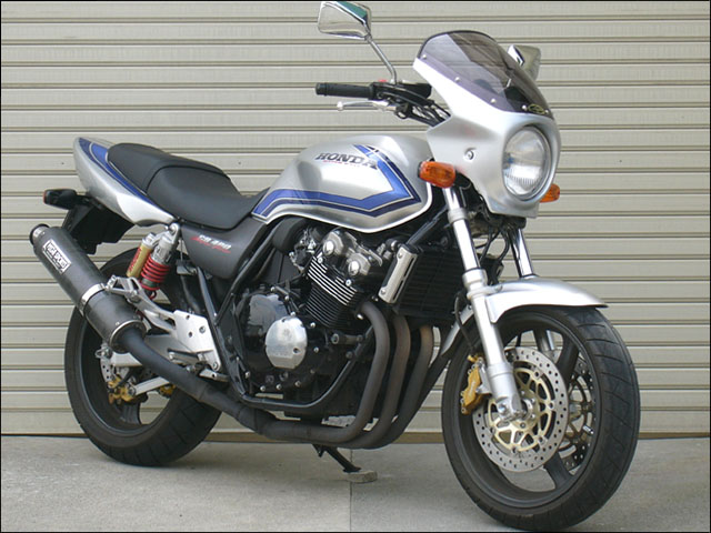 スーパーセール バイク用品 外装 カウルシックデザイン ロードコメット ブラック クリア CB400SF VTECCHIC DESIGN RC37-BK 取寄品