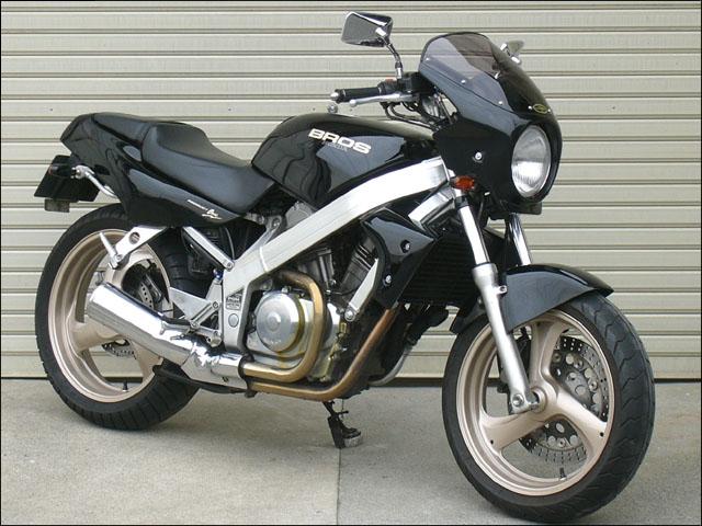 スーパーセール バイク用品 外装 カウルシックデザイン ロードコメット ブラックメタリック スモーク BROS400 650 -89CHIC DESIGN RC03-XX/2 取寄品
