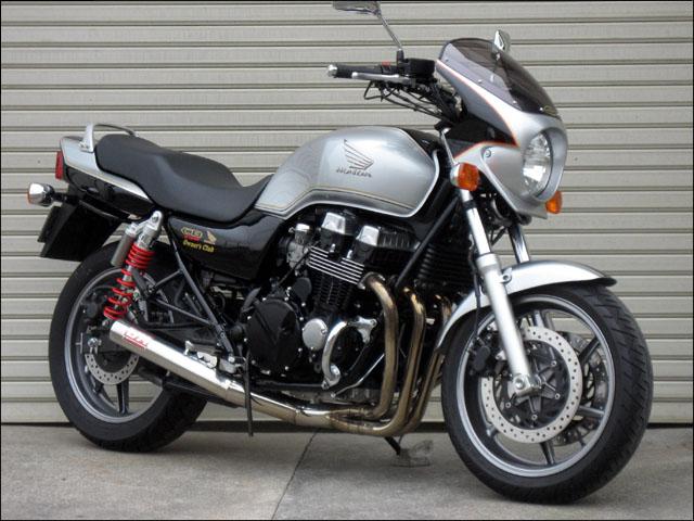 スーパーセール バイク用品 外装 カウルシックデザイン ロードコメット2 グラファイトBLK クリア CB750 04-CHIC DESIGN RCB04B-GBK 取寄品