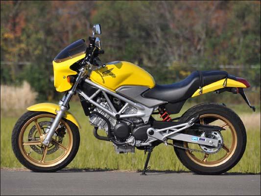 バイク用品 外装 カウルシックデザイン ロードコメット DシルバーM スモーク VTR 09-CHIC DESIGN RC34B-DSVM/2 取寄品 スーパーセール