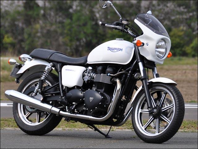 スーパーセール バイク用品 外装 カウルシックデザイン ロードコメット ジェットブラック スモーク ボンネビルT100 09-CHIC DESIGN RC62B-BK/2 取寄品