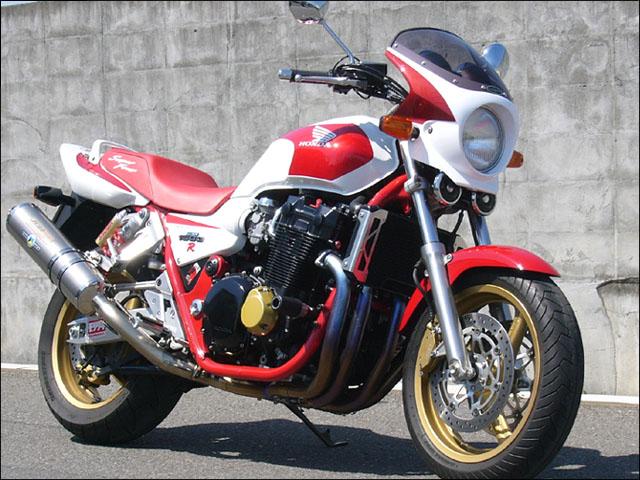 スーパーセール バイク用品 外装 カウルシックデザイン ロードコメット2 フォースシルバーM スモーク CB1300SF -02CHIC DESIGN RCB32-FOSV/2 取寄品