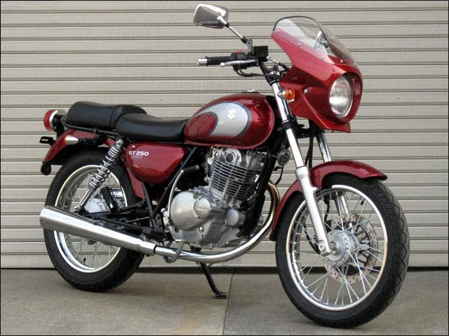 スーパーセール バイク用品 外装 カウルシックデザイン ロードコメット2 ソリッドBK スモーク ST250CHIC DESIGN RCB47-BK/2 取寄品