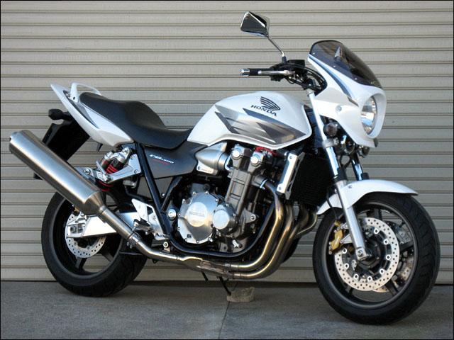 スーパーセール バイク用品 外装 カウルシックデザイン ロードコメット2 ブラックゲル スモーク CB1300SF 03-04CHIC DESIGN RCB44-GEL/2 取寄品