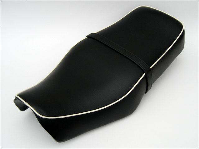 バイク用品 外装 シートシックデザイン クラシックダブルシート タンデムベルトツキ ST250CHIC DESIGN ST-ST2A/B 取寄品