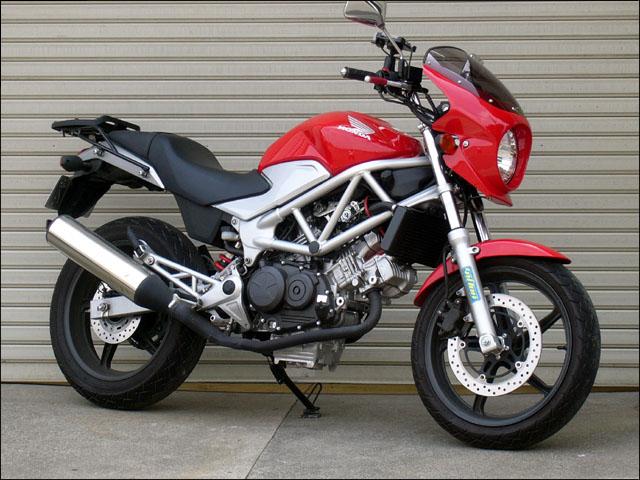 スーパーセール バイク用品 外装 カウルシックデザイン ロードコメット2 グラファイトBLK スモーク VTR 09-CHIC DESIGN RCB34B-GBK/2 取寄品