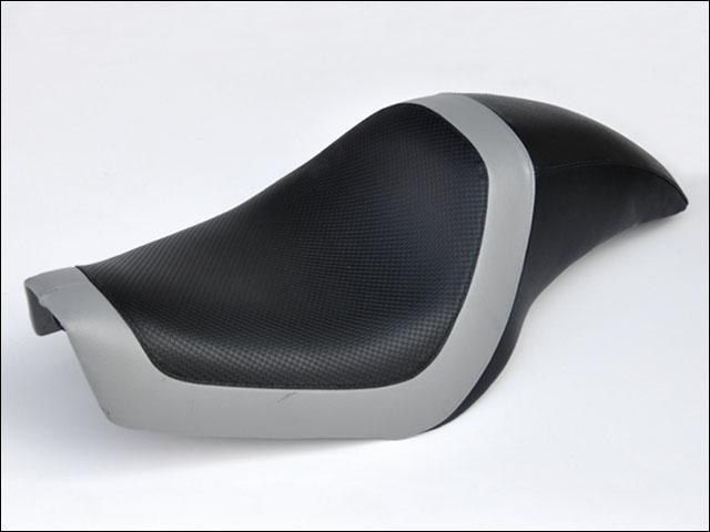 バイク用品 外装 シートシックデザイン ティーラ シングルシート タイプS スポーツスター 04-CHIC DESIGN XL-ST2 取寄品