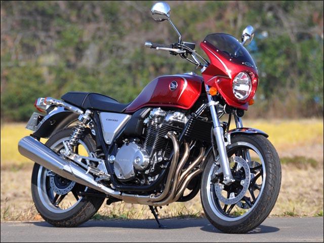 スーパーセール バイク用品 外装 カウルシックデザイン ロードコメット2 CグローリRED クリア CB1100 -13(ストライプ)CHIC DESIGN RCB60-CGR/S 取寄品