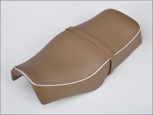 バイク用品 外装 シートシックデザイン クラシックダブルシート サンド ST250 タンデムベルトツキCHIC DESIGN ST-ST5A/B 取寄品
