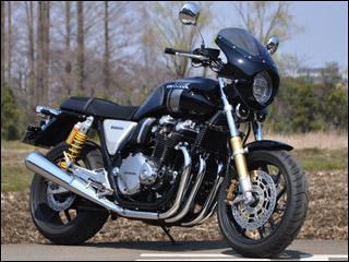 スーパーセール バイク用品 外装 カウルシックデザイン ロードコメット2 G.BLK クリア CB1100RS 17CHIC DESIGN RCB60C-GBK 取寄品