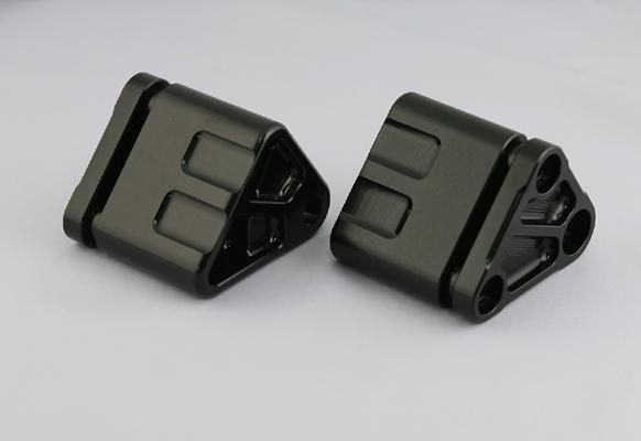 K-FACTORY ダウンチューブ オプション BLK ZRXエンジンヨウハンガーA 《ケイファクトリー 112SZDI005B》