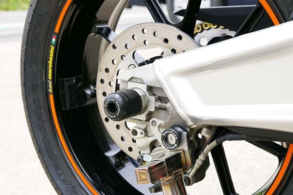 ベビーフェイス アクスルプロテクター リア/BLK KTM RC8 08-11 《ベビーフェイス 006-AKT03BK》