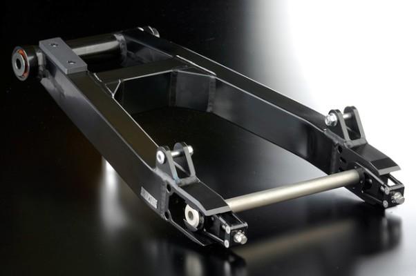 NITRO.R スイングアーム ブラック/ブラック 刀用 18インチ用 《ナイトロレーシング 》