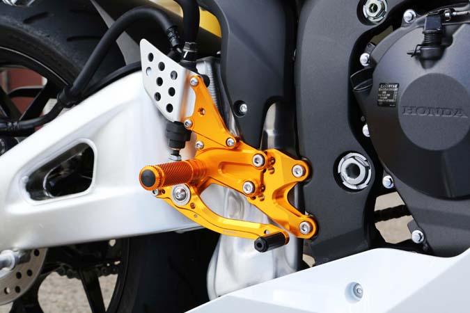 ベビーフェイス レースコンセプトステップ BK CBR600RR 07-16 リバース 《ベビーフェイス 》