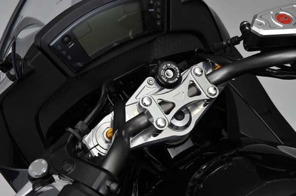 アグラス トップブリッジ アッパーブラケット付 Ninja400R 《アグラス 321-484-000》
