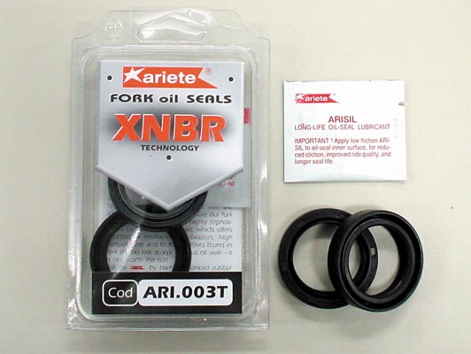 取寄品 アリート ariete 並行輸入品 代引き不可 フォークオイルシール φ41 41x53x8 《アリート GSXR1100 9.5 ARI.056》 ZX10