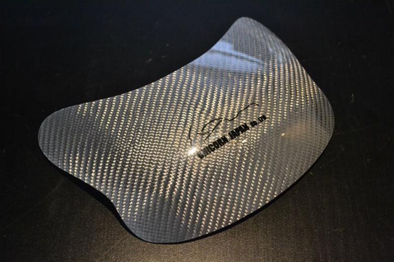 ユニコーン   3Dタンクプロテクター カーボン平織  ロゴアリ GSX1100/750/1200/1400共用 KATANA専用 《ユニコーンジャパン 37002》