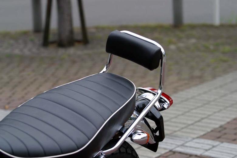 バイク用品 外装ゴールドメダル GOLDMEDAL タンデムグリップ バックレスト W650 400J4650-K0024 4547567247845取寄品 セール