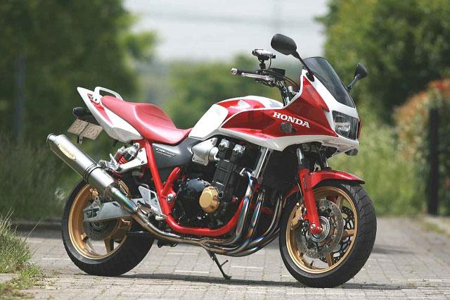 【COLORS】【STRIKER】【マフラー】【バイク用】SUPER STRIKER TITAN チタンフルエキゾースト 4-2-1 STD CB1300SF/SB 03-07 ABS車可【4533BTT】