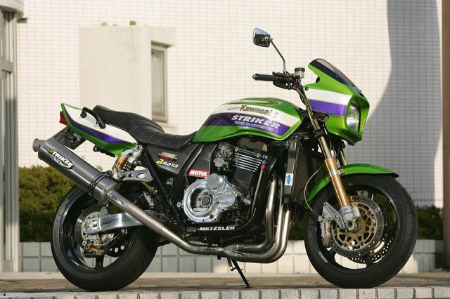 【COLORS】【STRIKER】【マフラー】【バイク用】STREET CONCEPT フルエキチタン4-2-1 JMCA認定 ZRX1200専用 国内仕様【96014OTC】