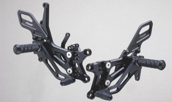 【ストライカー】【バイク用】 スペシャルステップキット ブラックアルマイト仕様 ZX-10R 06- 6ポジション【SS-AA279B】【送料無料!】