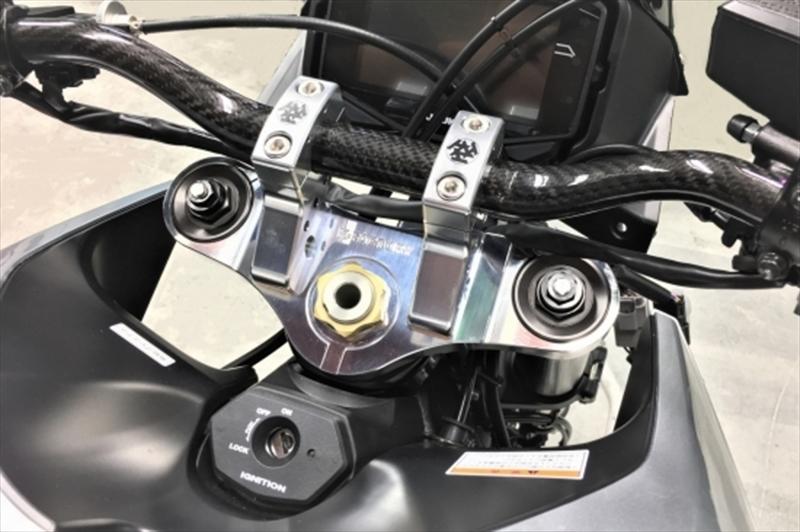 バイク用品 ハンドルケイファクトリー K-FACTORY トップブリッジ スーパーブラック KATANA 19 φ28.6用263XZBT024R 4582215619902取寄品 セール
