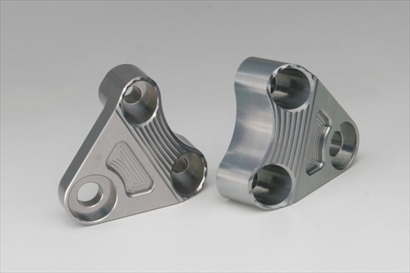 バイク用品 外装ケイファクトリー K-FACTORY エンジンハンガー メタリックシルバー XJR1300 03-06301VZBG008N 4582215503874取寄品 セール