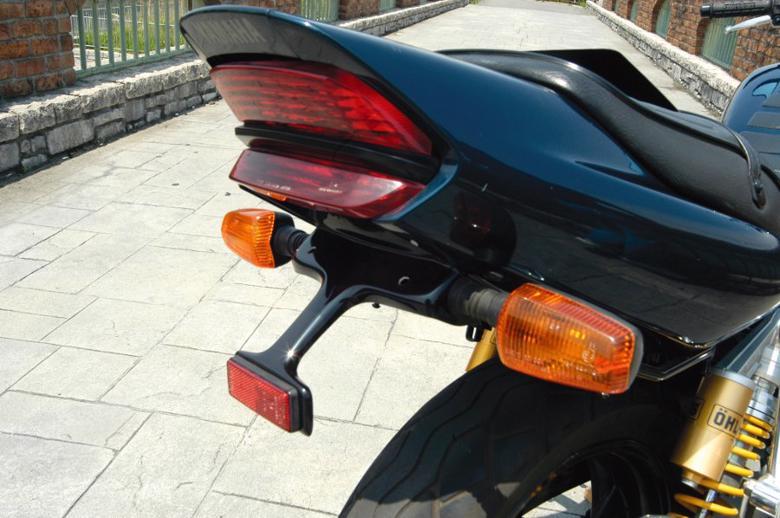 バイク用品 外装MAGICAL RACING マジカルレーシング フェンダーレスキット FRP 黒 XJR400R 95-001-XJR495-9101 4547424297921取寄品 セール