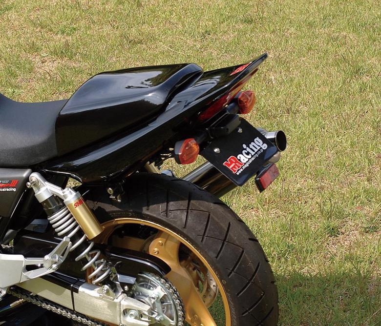 バイク用品 外装MAGICAL RACING マジカルレーシング フェンダーレスキット FRP 黒 CB400SFVTEC-3 04-001-CB4004-9101 4547424424822取寄品 セール