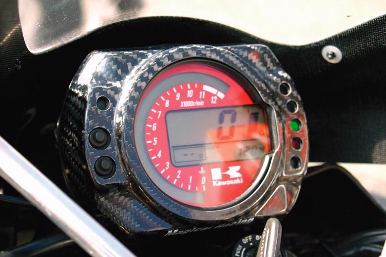 バイク用品 電装系MAGICAL RACING マジカルレーシング メーターカバー Gシルバー ZX10R 04-05 Z1000 04-05 ZX6R 05-06001-ZX1004-080G 4547567283133取寄品 セール