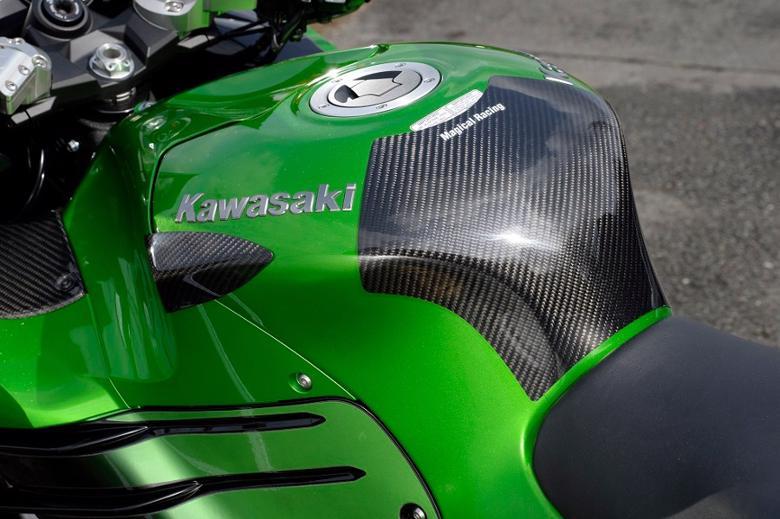 バイク用品 外装MAGICAL RACING マジカルレーシング タンクエンド FRP 黒 ZX-14R 12-14001-ZX1412-9501 4548916180189取寄品 セール